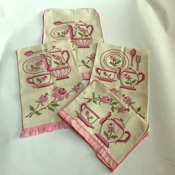 Vintage kitchen tea towel set with pink edging